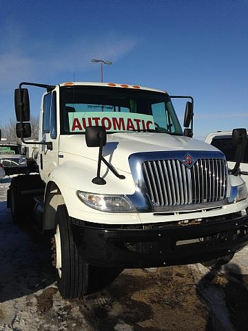 Image #2 (2009 IHC 4400 AUTOMATIC S/A TRACTOR)