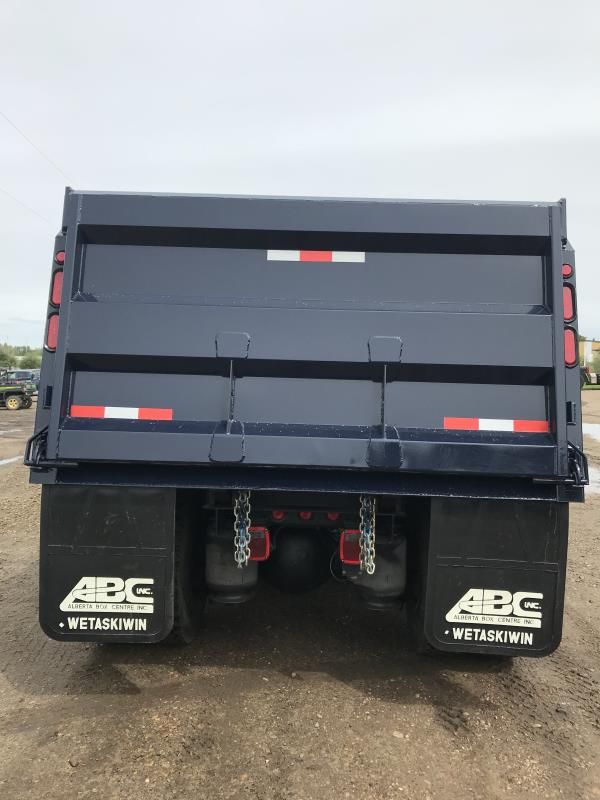 Image #3 (2013 IHC 8600 T/A AUTOMATIC GRAVEL TRUCK)