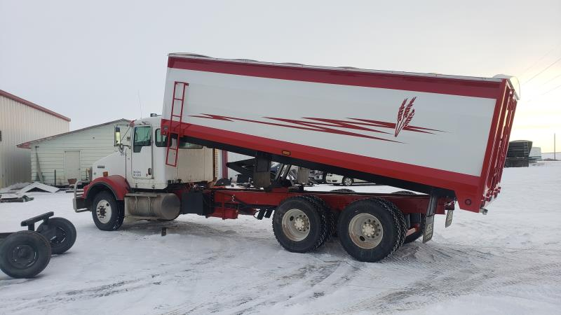 Image #2 (2009 KENWORTH T800 T/A GRAIN TRUCK)